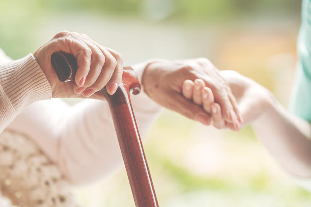特別縁故者とは?他人の老後の世話をしていた人等が遺産を受け取るときの手続き