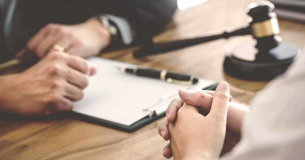 離婚問題を依頼した弁護士との信頼関係を構築・維持する方法~最善の事件解決のために!