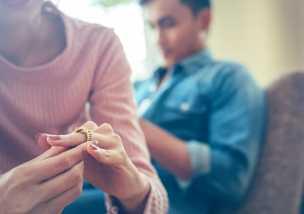 経済的DVの7つのチェックリストや夫と離婚する場合の対処法