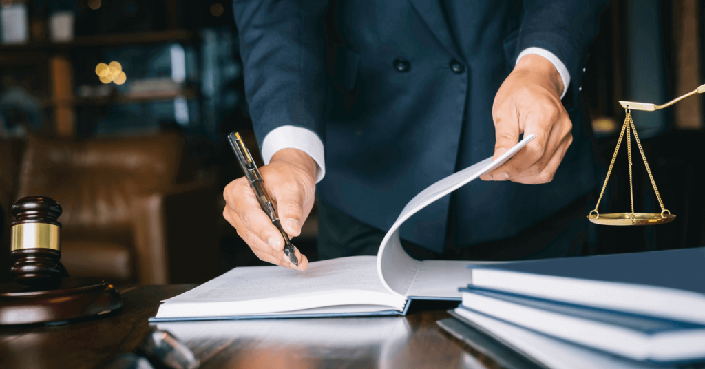 腰椎捻挫での対処を弁護士に依頼するメリット