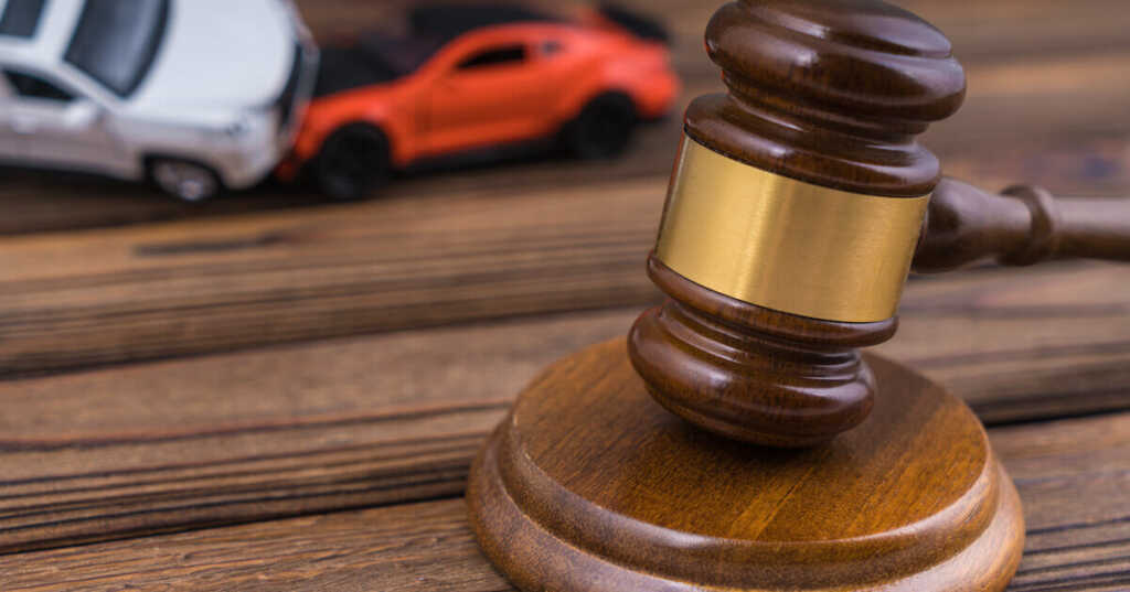 交通事故にあったときに弁護士に依頼するメリット