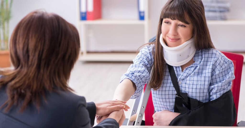 交通事故で後遺障害がある場合は弁護士に依頼