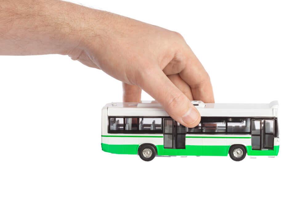 バス事故が発生する背景