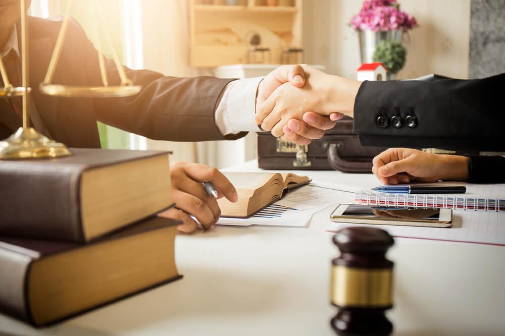 弁護士選びで後悔しないための重要ポイント