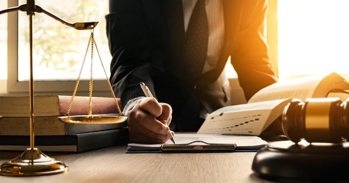 傷害罪で不起訴を獲得するためには早期の弁護士への相談がカギ