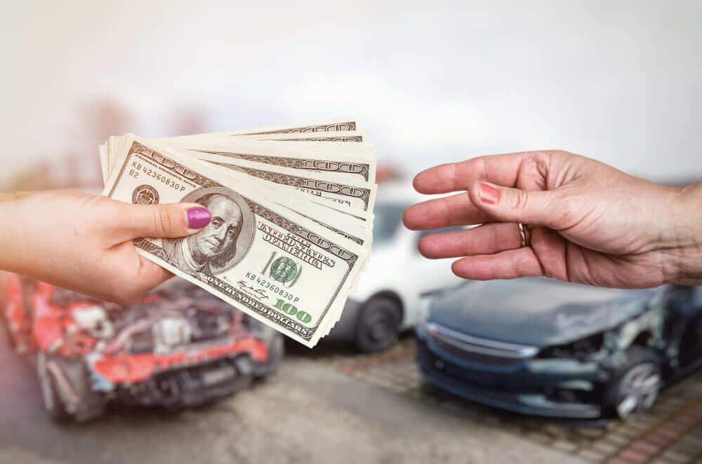 交通事故で夫や妻を亡くしたら…損害賠償の3つの基準