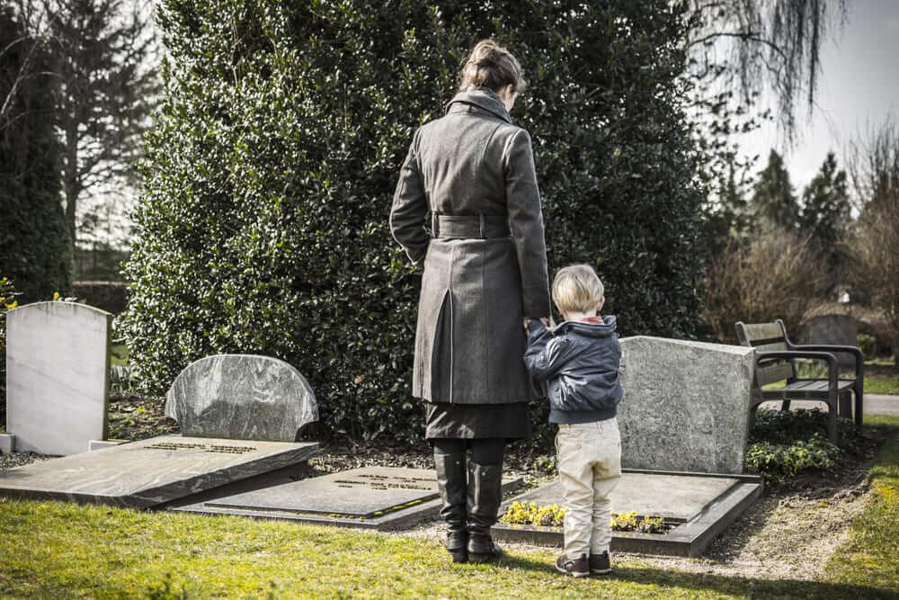 夫や妻を交通事故で失ったときに加害者に請求できる損害賠償の範囲