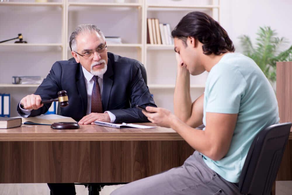 示談交渉が難しいと感じたときには弁護士に相談