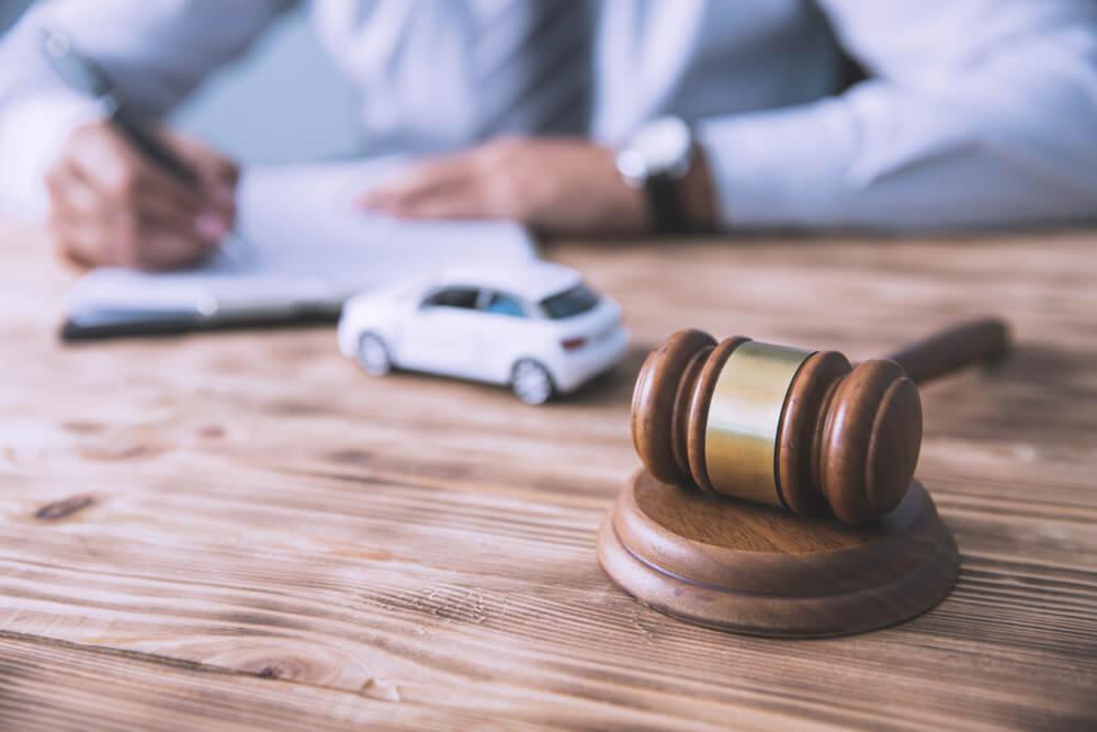 交通事故の依頼をしてはいけない弁護士の特徴と選ぶ際の注意点