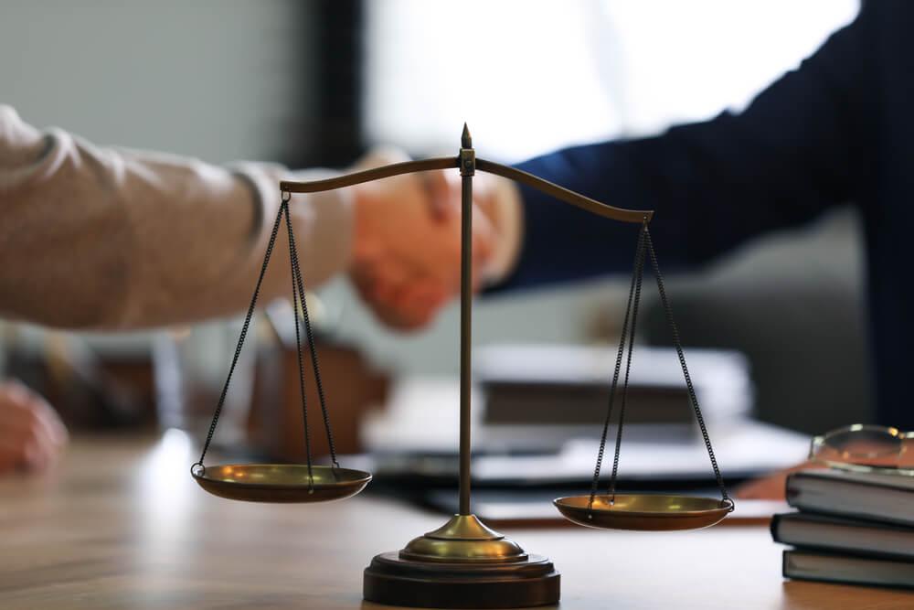 暴行罪の示談交渉を弁護士に依頼するメリット