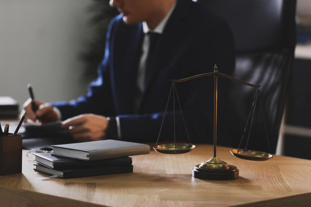 物損事故の示談を弁護士に依頼するメリット