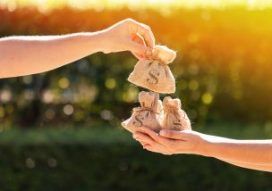 介護したお嫁さんが遺産相続するための5つのポイント