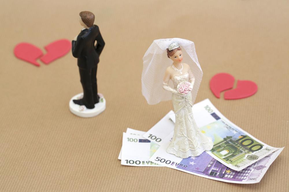 産後クライシスでの離婚で後悔しないように。離婚に関するお金の知識