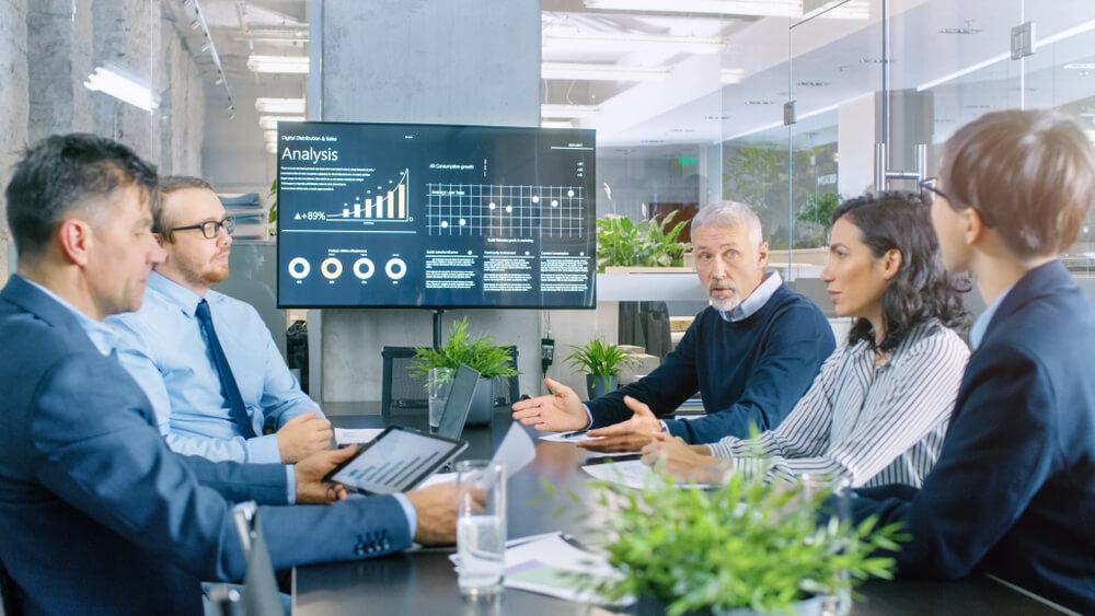 利益相反取引を行うには株主総会または取締役会の承認が必要