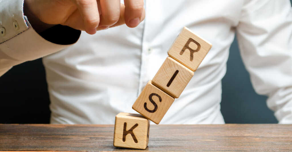 審査落ちするリスク〜債務整理中にカードローンの申し込みをすると?