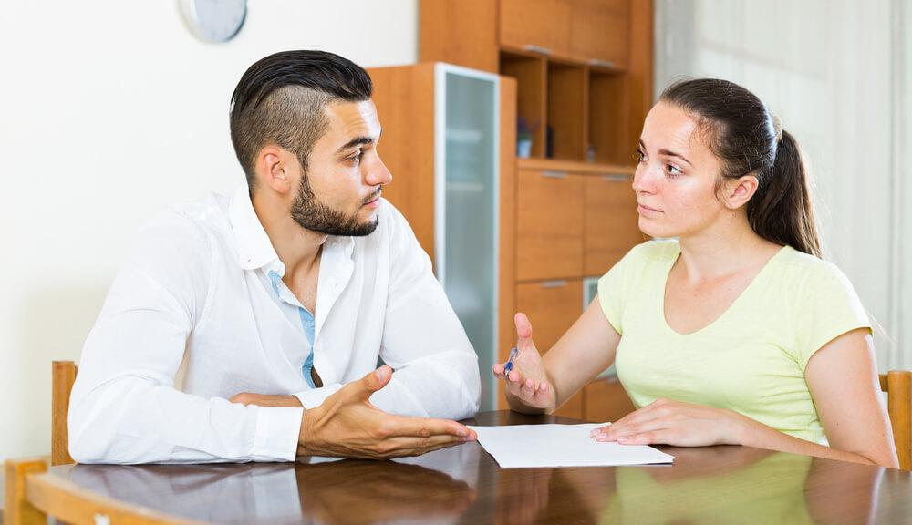 借金を結婚相手に告げるべき?