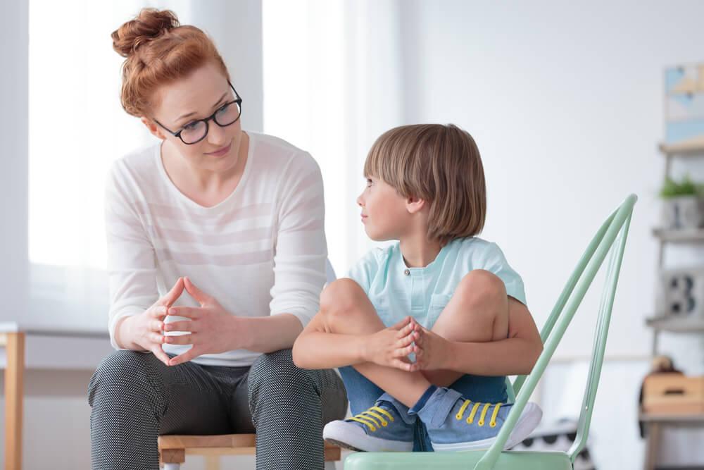 離婚を子供に伝える際の注意点|悪影響を与えないために