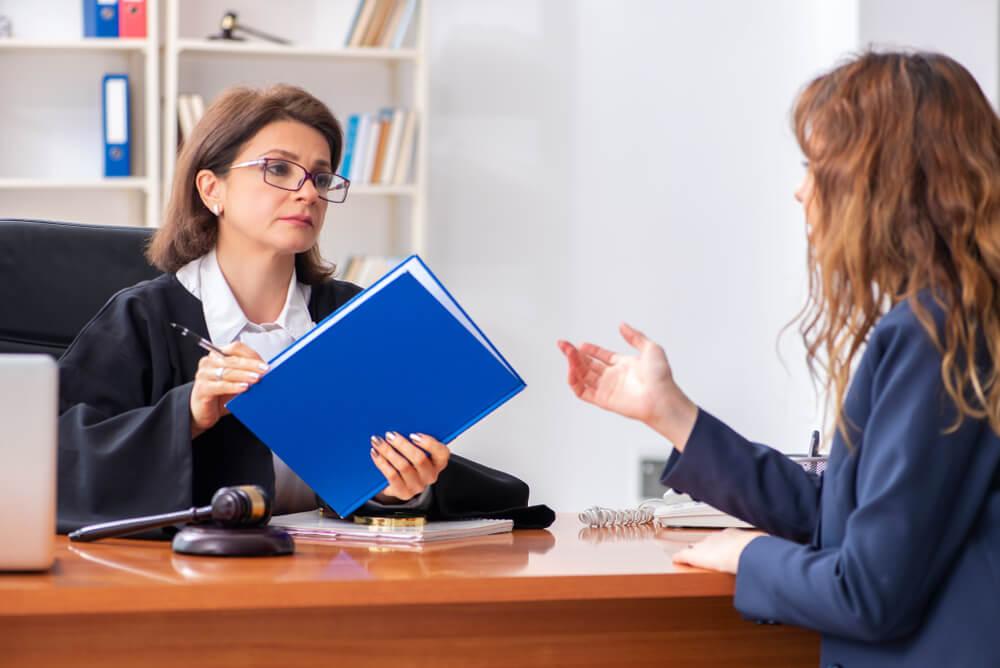 離婚裁判の費用を考えると、弁護士に依頼すべき?
