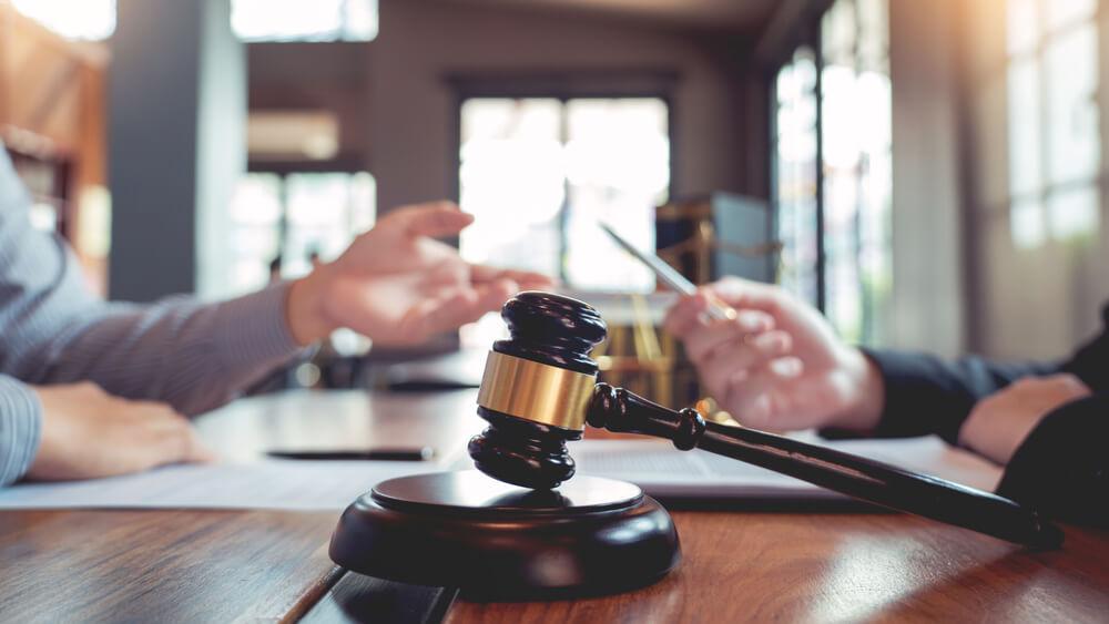 離婚に強い弁護士を探す方法