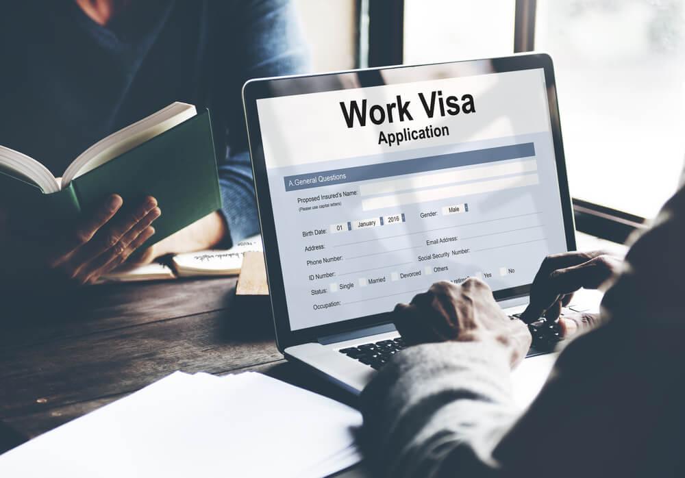 外国人雇用における内定から入社までの流れ