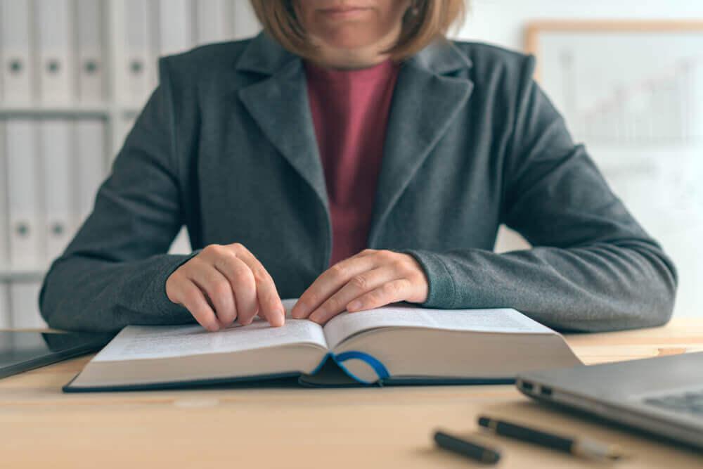 執行役員制度をふまえて|会社の体制整備については弁護士に相談を