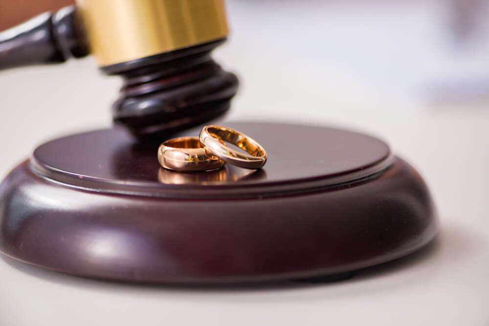 成田離婚すると法的問題はどうなる?