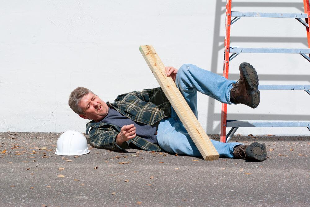 労災手続きの流れをみる前に〜「労働災害」とは