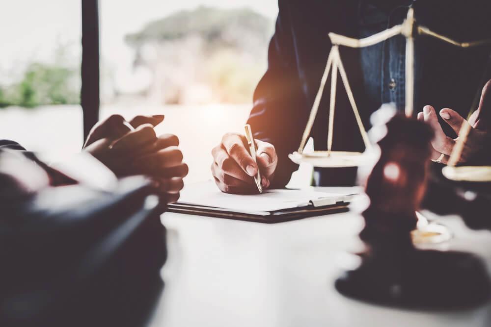 現物出資その他会社設立の際は、弁護士へご相談を