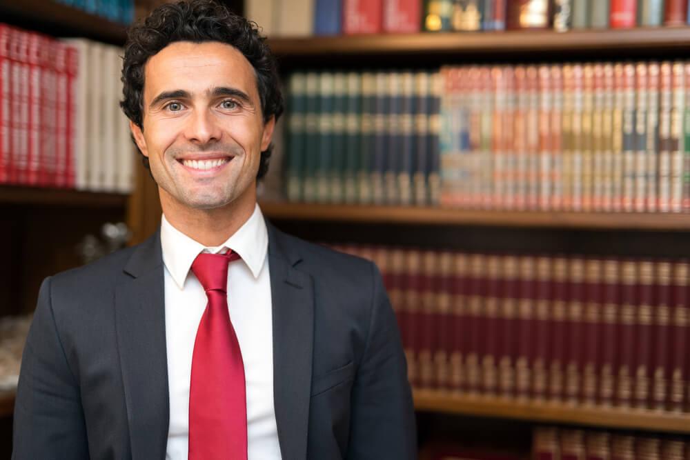 労働審判を弁護士に依頼する際にかかる弁護士費用の種類と相場について