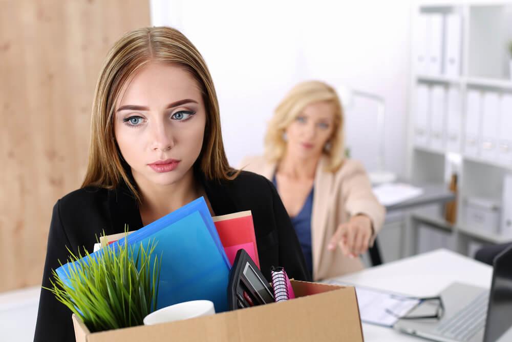 解雇を言い渡されたら受け入れなければならない?整理解雇が適法となる4要素(4要件)とは?