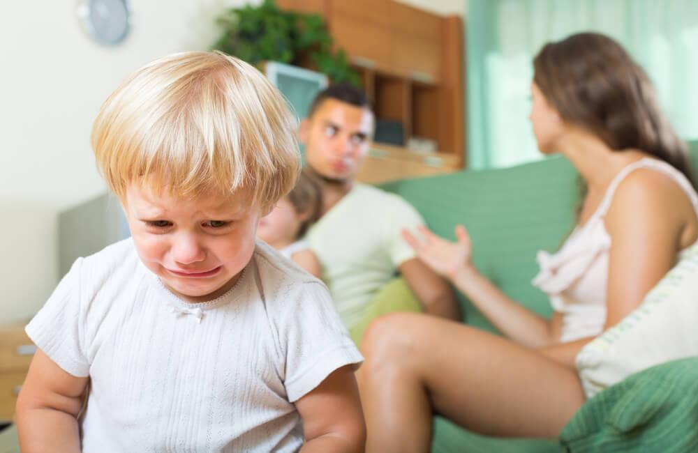 マタニティブルーで離婚できる?知っておきたい慰謝料や離婚の流れ