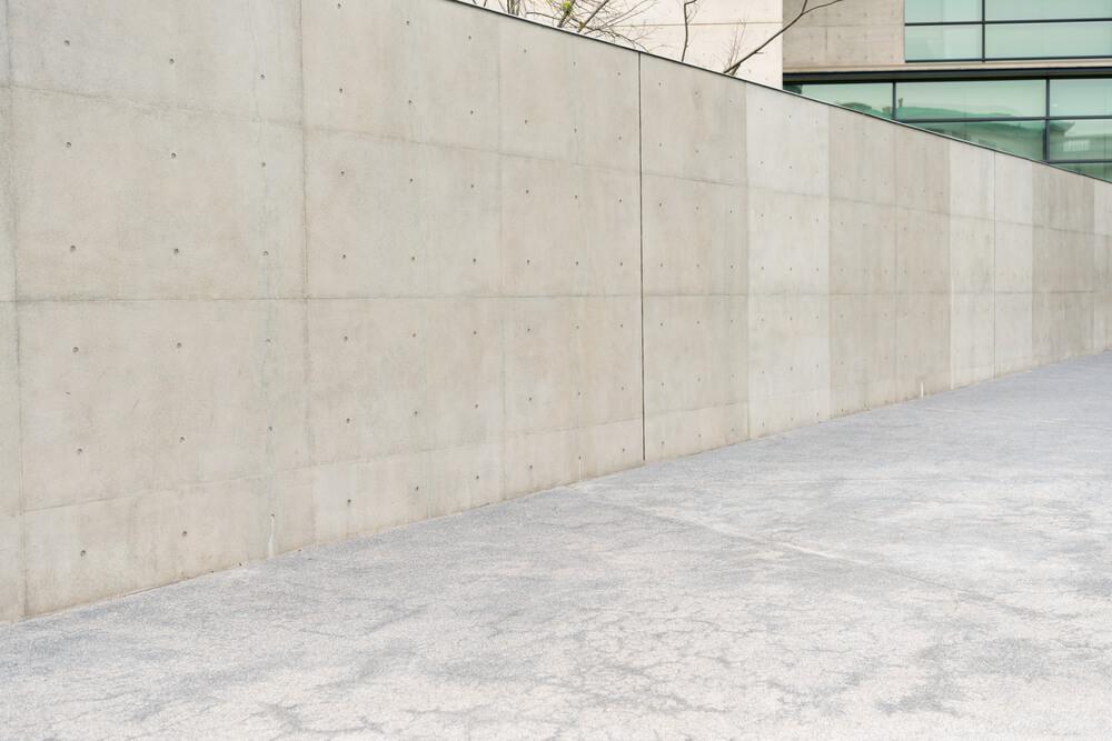 塀やフェンスと隣地境界線に関するルール