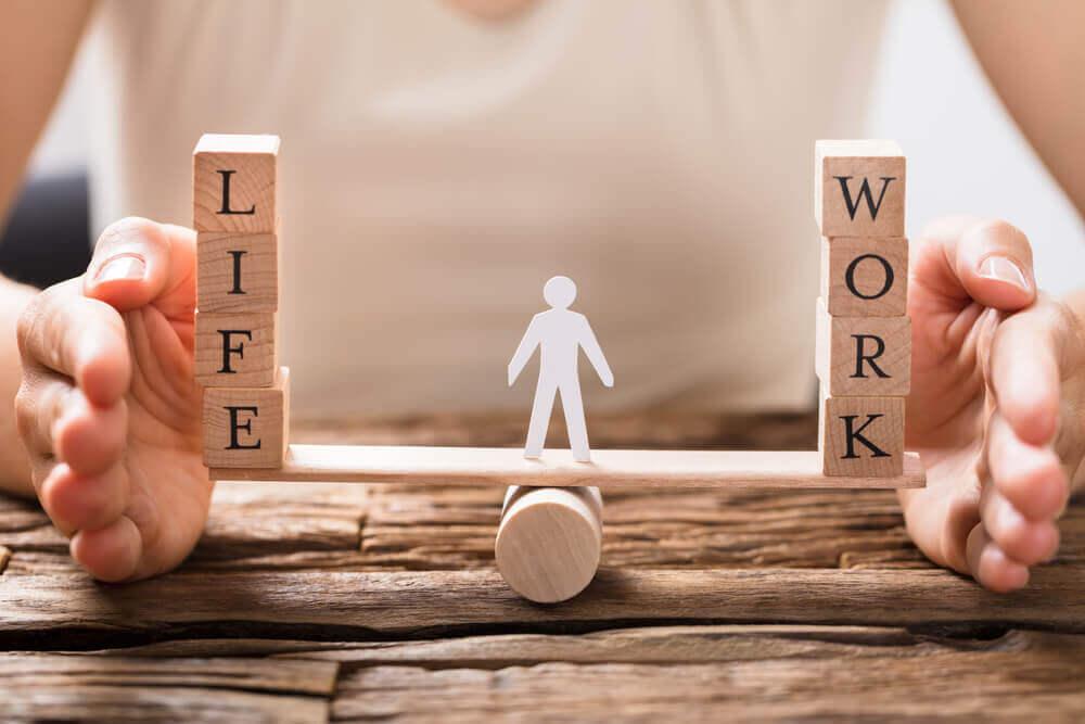 介護休業制度を活用した仕事継続のススメ