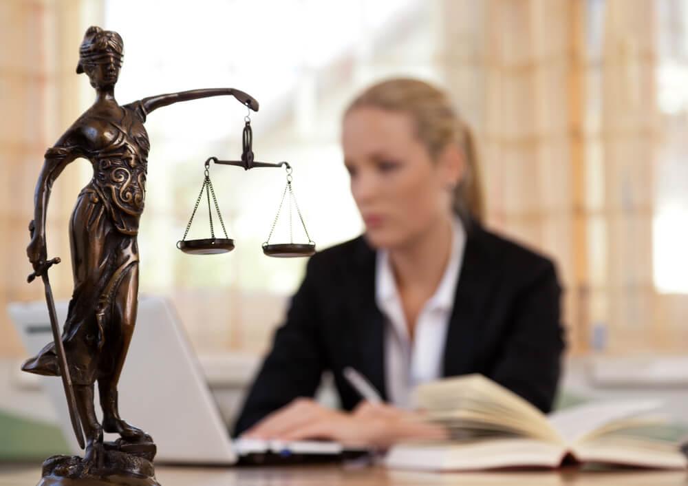 完全成功報酬制の法律事務所の探し方は?