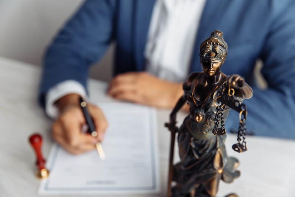 財産分与でお困りの時は弁護士に相談
