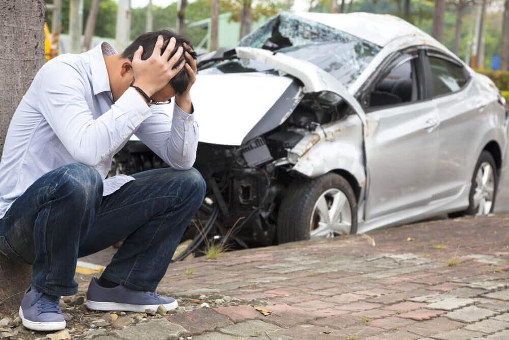 ながらスマホで交通事故(人身事故)を起こしたらどうなる?