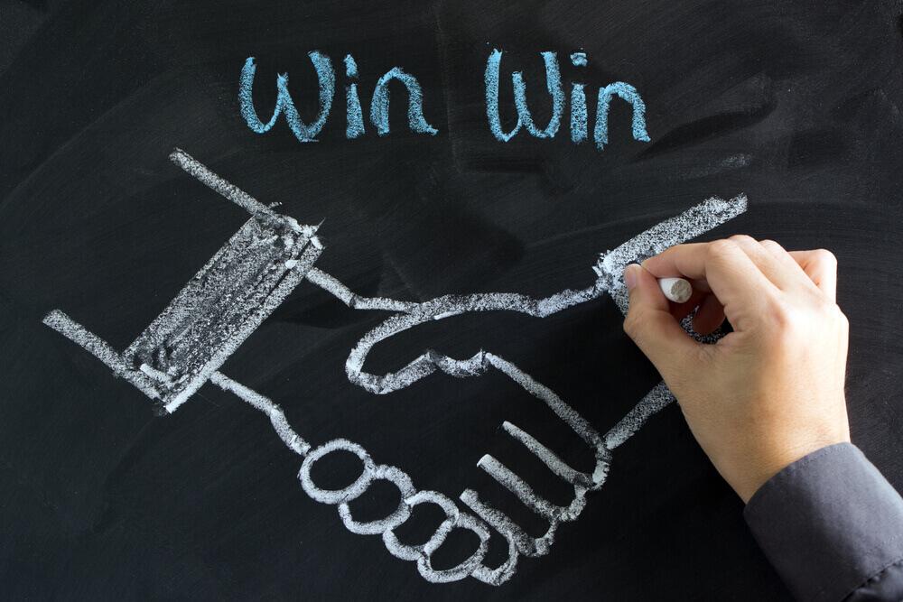 吉本興業の契約書問題から学ぶwin-winの関係とは?