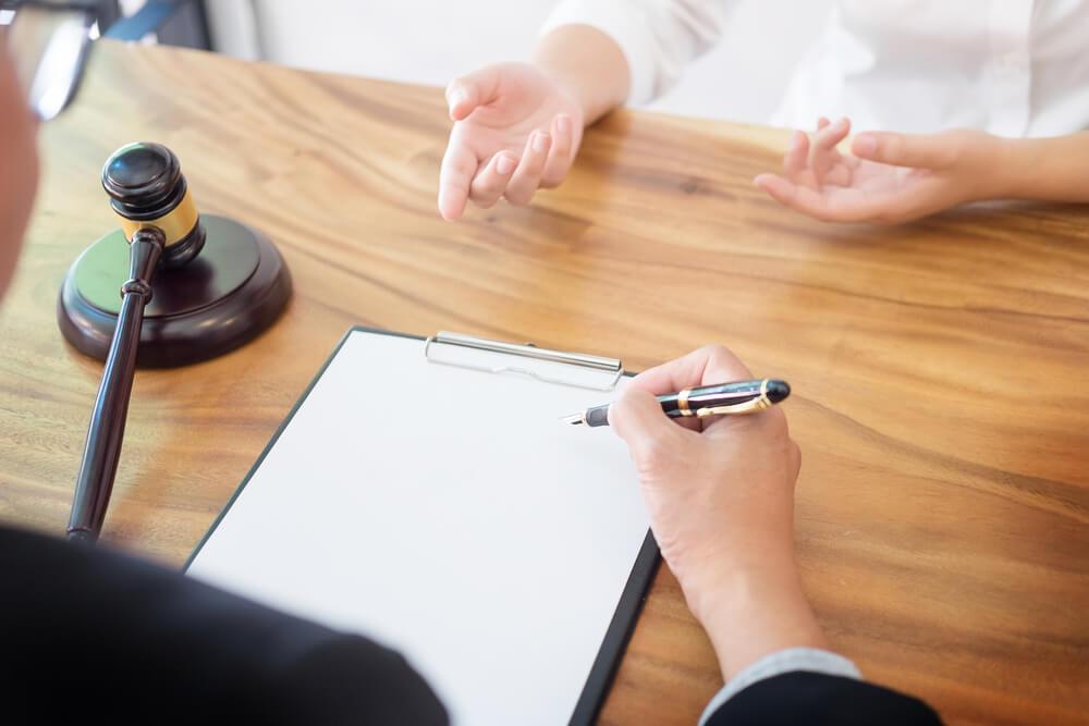 不倫をしても親権を獲得したい場合は弁護士に依頼した方が有利!弁護士に依頼するメリット