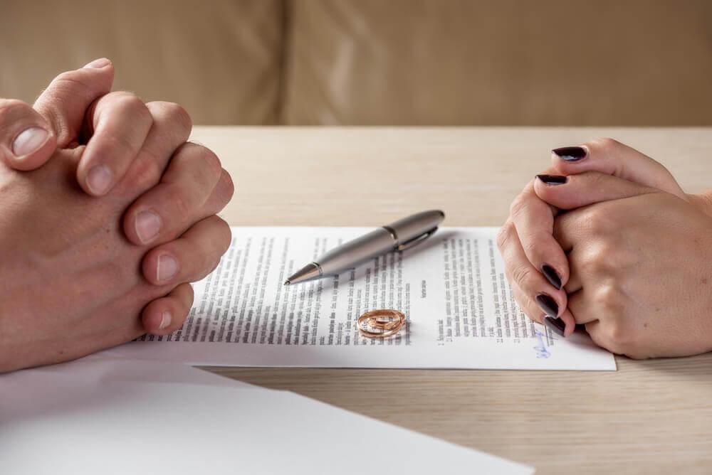不倫を繰り返すパートナーとの離婚の流れ