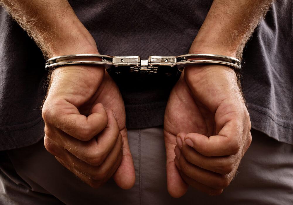 迷惑防止条例違反で逮捕された後の流れ