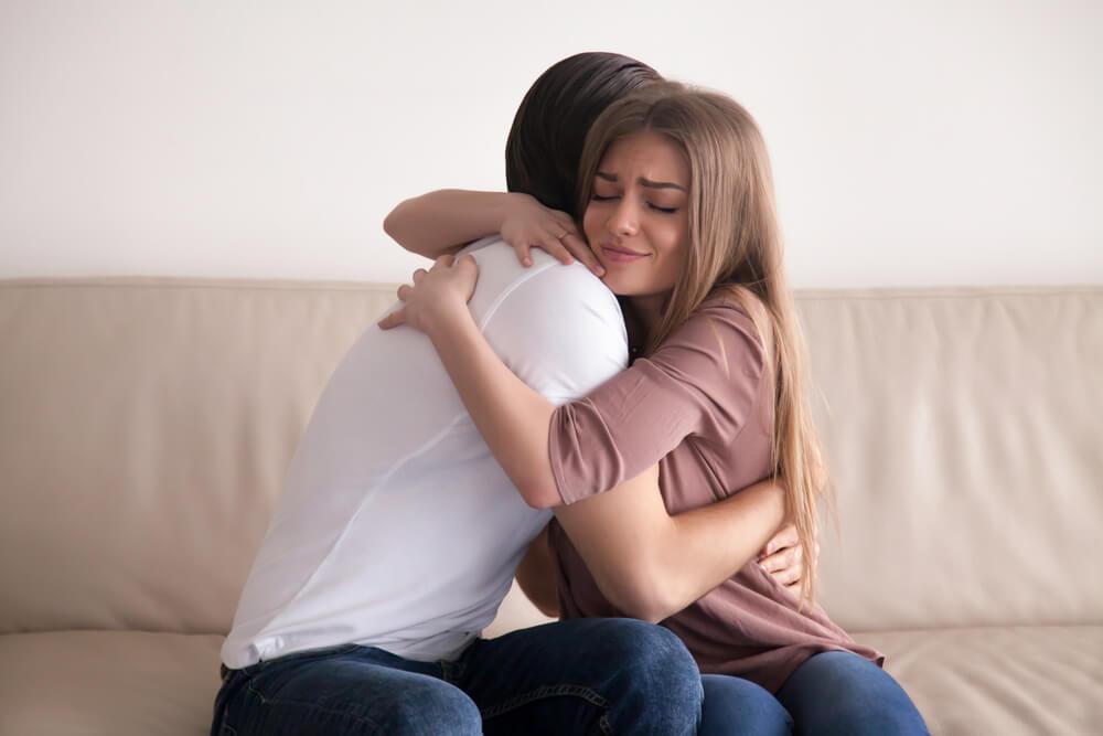 夫から離婚を切り出されたら、まずは復縁を試みる