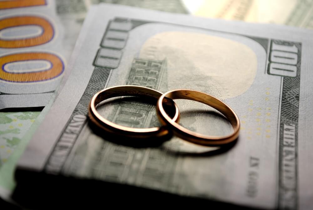 無料相談で確認しよう〜①離婚とお金