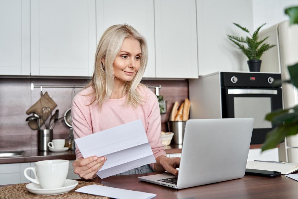 「標準報酬改定請求書」提出による年金分割の請求