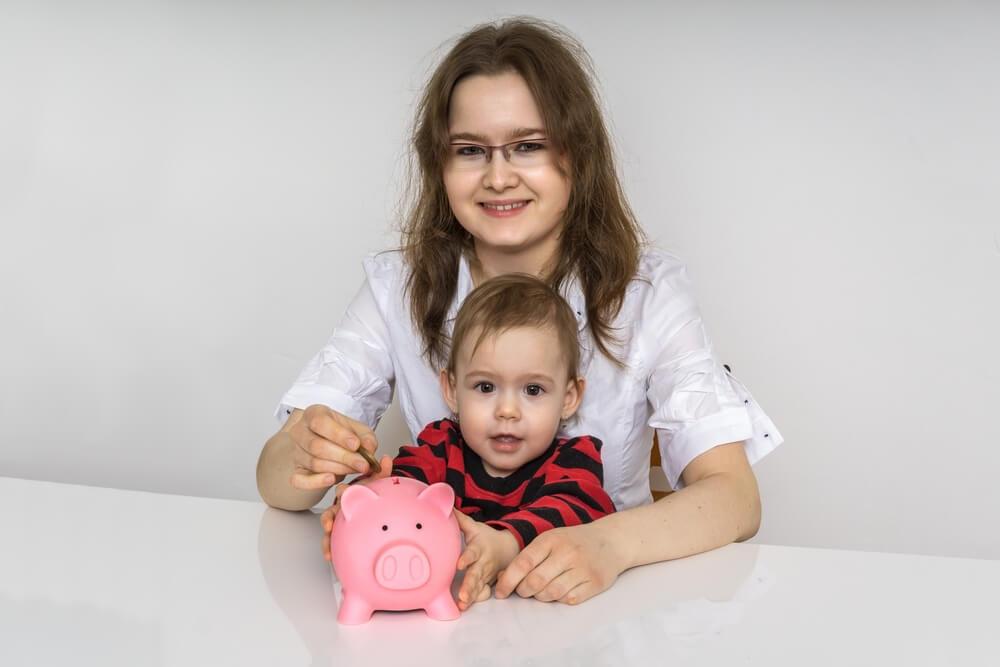 母子家庭の生活費の平均と内訳