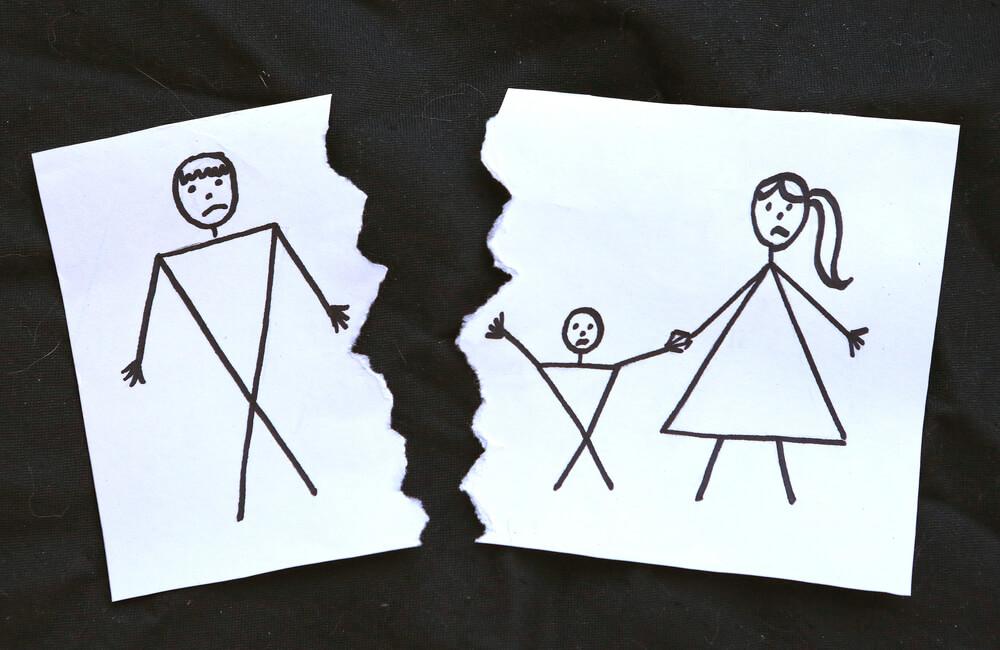 母子家庭の生活費となる母の収入~母子家庭になった理由別の平均収入
