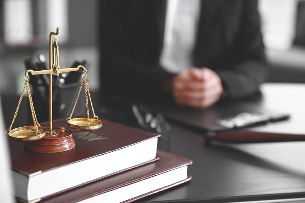 パパ活は示談交渉、自首・出頭は弁護士に依頼すべし
