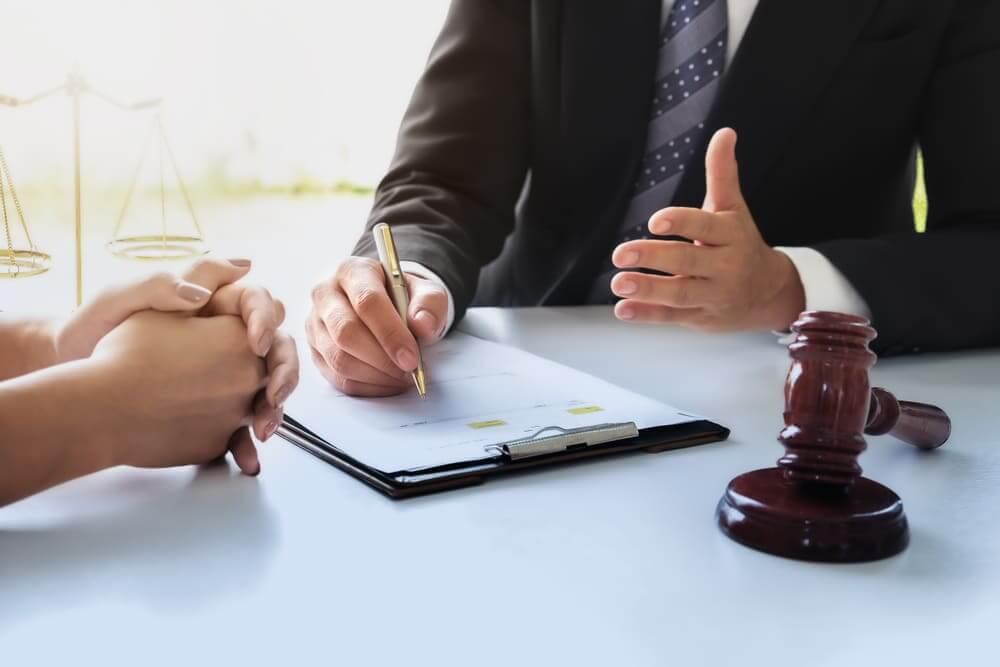 自己破産費用が安くて安心できる弁護士の探し方、選び方