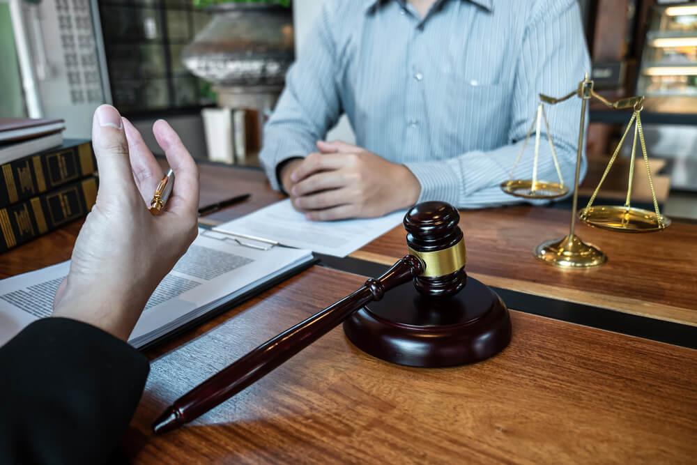 残業代請求をするなら弁護士に相談を