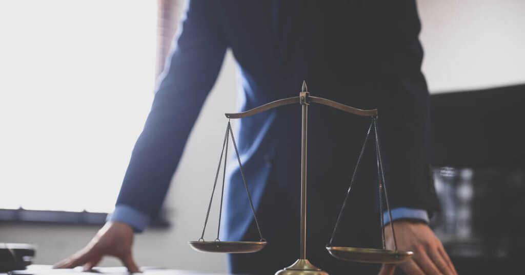 病気で解雇されたときに弁護士に依頼するメリット