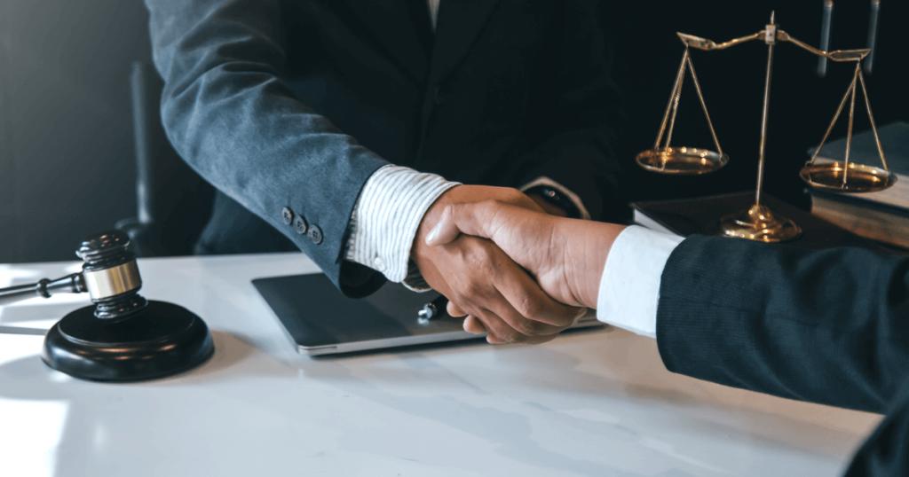 整理解雇に本気で取り組むときは弁護士への相談が必須